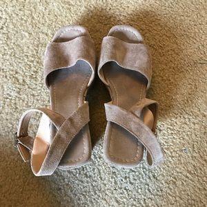 🆕 Topshop Suede Sandal with Wooden Heel